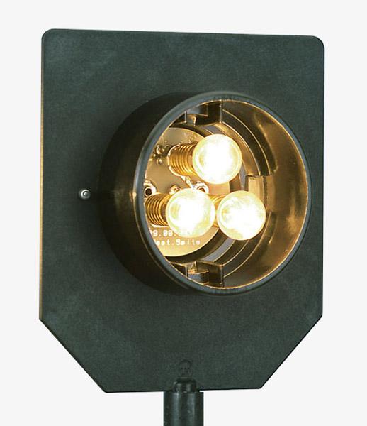 Triple lamp, 12 V/3 x 6 W