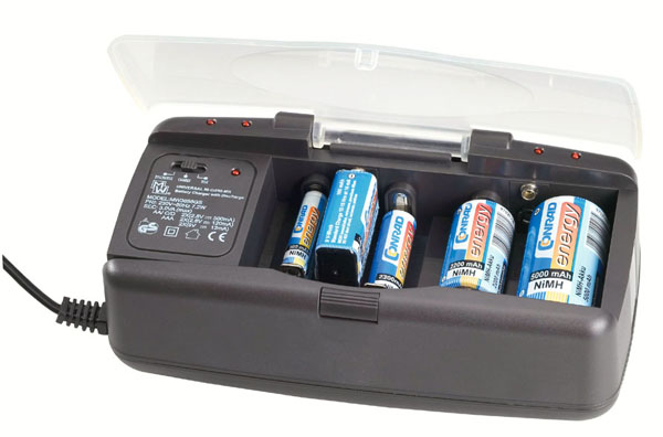 Universal recharger for NiCd and Ni-MH batteries
