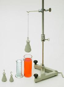 Bestimmung des Volumens unregelmäßiger fester Körper - Überlaufmethode