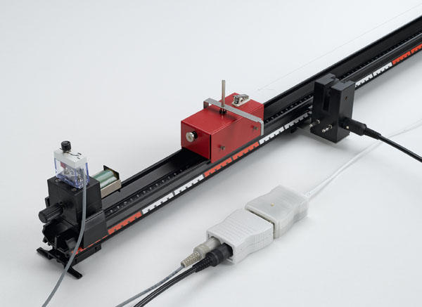 Recording path-time diagrams of linear motion - recording with a light barrier