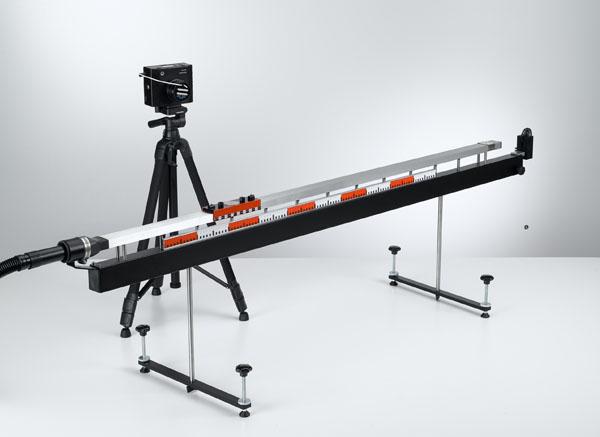 Bestätigung des ersten und zweiten Newtonschen Axioms an geradlinigen Bewegungen - Aufzeichnung und Auswertung mit VideoCom