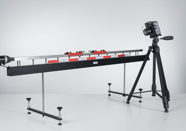 Newton's third law and laws of collision on the linear air track - Recording and evaluating with VideoCom
