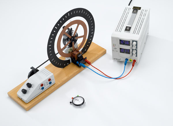 Free rotational oscillations - Measuring with a hand-held stopclock