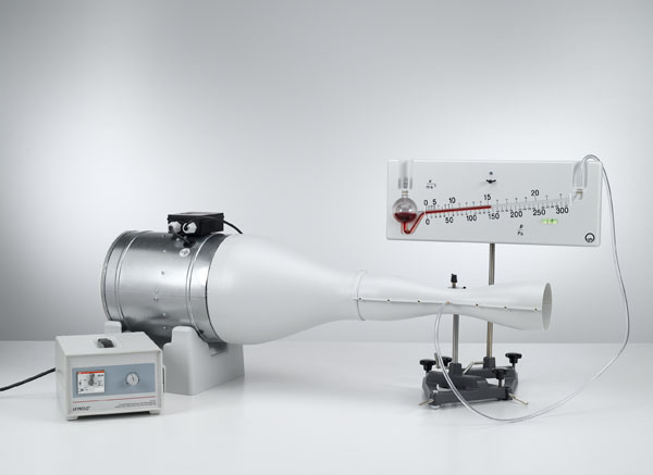 Static pressure and determination of the volume flow with a Venturi tube - Measuring the pressure with the precision manometer