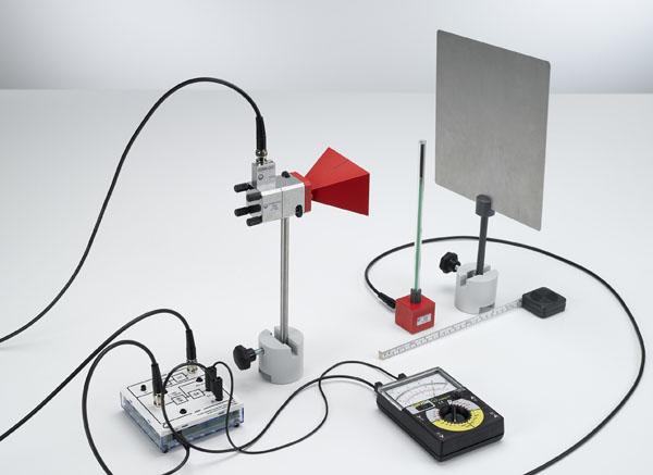 Wellenlängenbestimmung an stehenden Mikrowellen