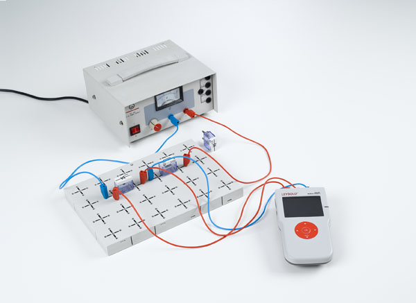 Recording the current-voltage characteristics of diodes