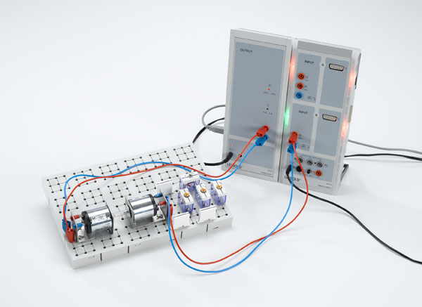 Voltage control with CASSY