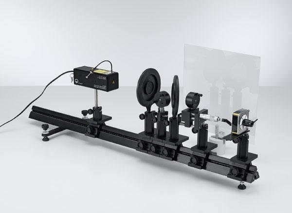 Bestimmung der Wellenlänge eines He-Ne-Lasers mit einem Michelson-Interferometer - Aufbau auf der Optischen Bank