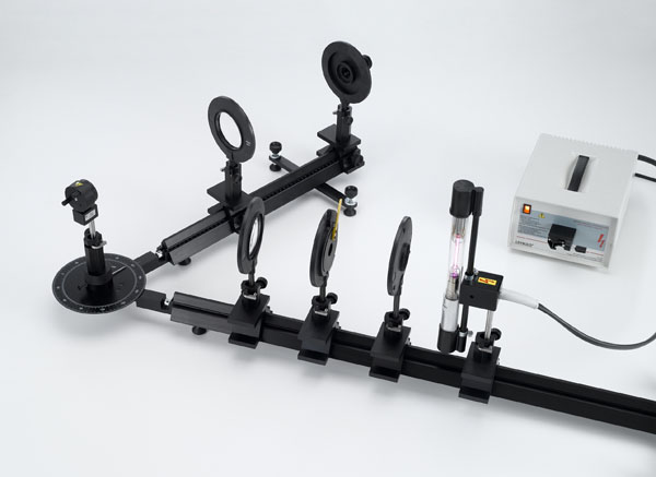 Beobachtung der Aufspaltung der Balmerlinien an deuteriertem Wasserstoff (Isotopieaufspaltung) - Beobachtung der Linienaufspaltung mit einem Fernrohraufbau