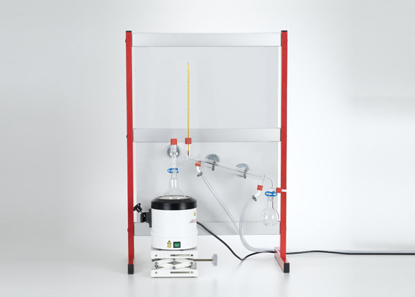 Purification of a substance with water vapour distillation