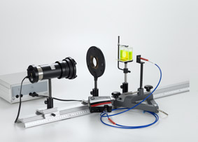 Recording of a fluorescence spectrum with a spectrometer
